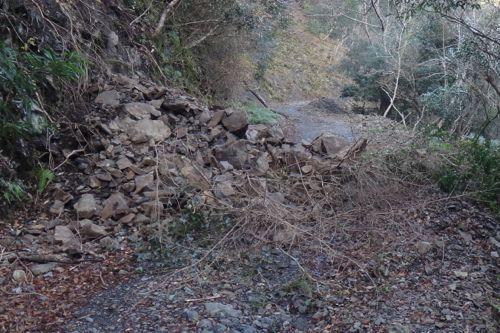前川林道の崩落